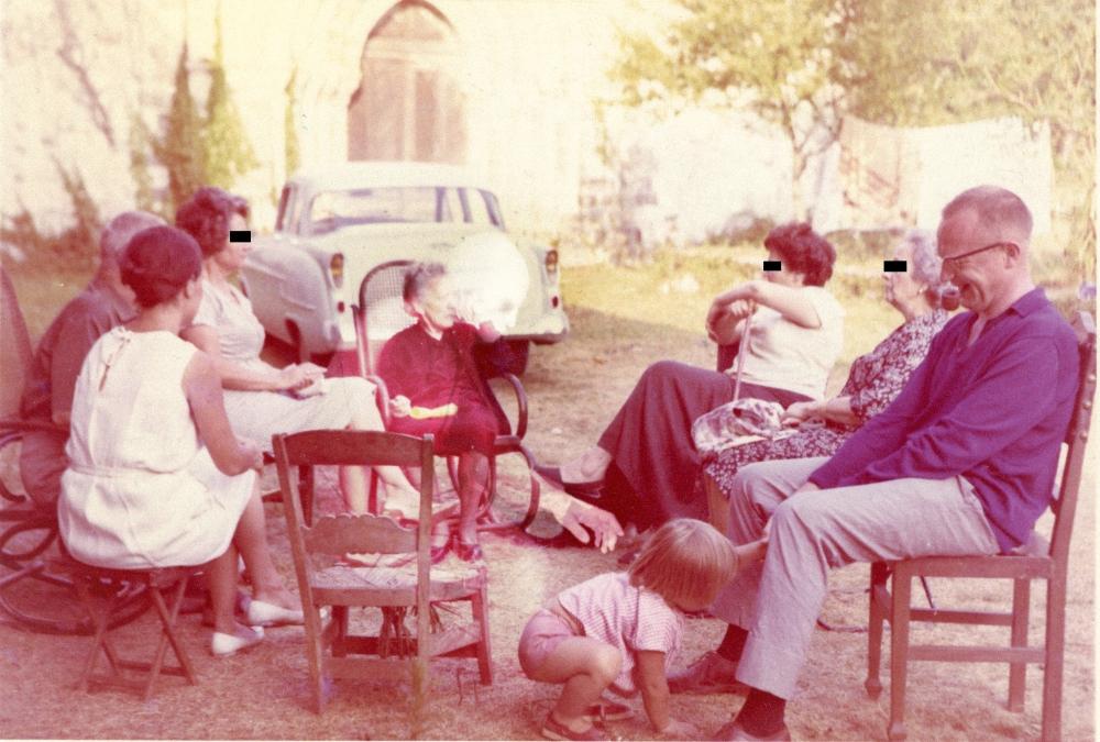 Family Ghost - Valdevia - Eduardo Valdés-Hevia